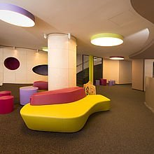 Moderne Lobby | Familienhotel Alphotel Hirschegg