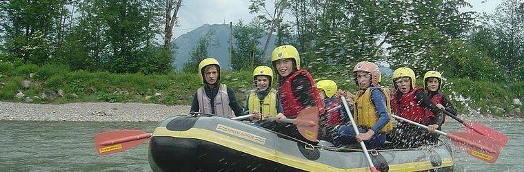 Raftingstour mit der Familie