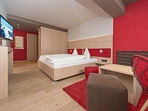 Doppelbett im Heuberg Zimmer