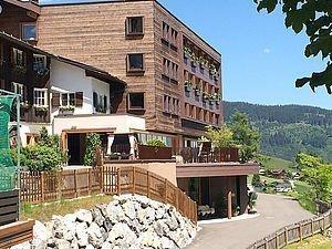 Außenansicht Alphotel in Hirschegg | Kleinwalsertal
