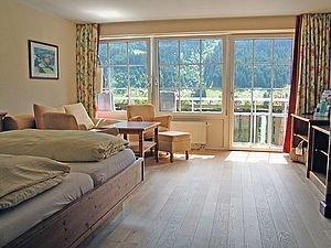 Helles Elternschlafzimmer | Alphotel Hirschegg