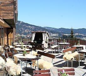 Restaurantbereich im Sommer