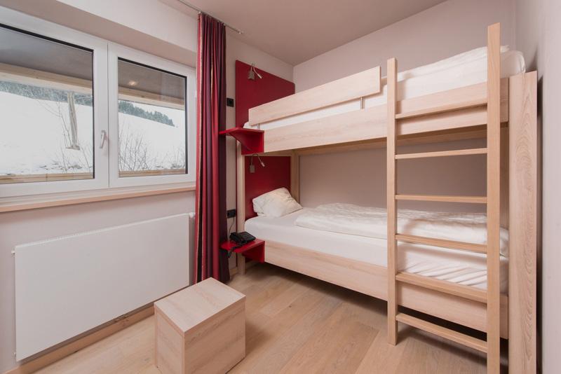 Etagenbett Zubehör Setup : Familienappartement heuberg alphotel hirschegg
